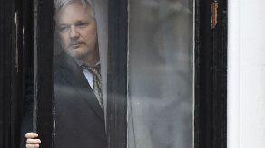 La Fiscalía británica pide denegar a Assange la libertad condicional