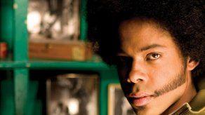 El cubano Alex Cuba gana el Grammy Latino a Mejor Cantautor