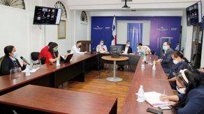 Sucre plantea a gremios médicos la posibilidad de contrataciones de especialistas extranjeros solo de ser necesario