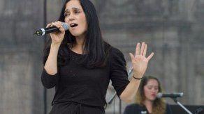 Julieta Venegas plasma en un nuevo disco su dolor por México