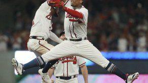 Jonrón de Freeman mantiene con vida a Bravos ante Dodgers