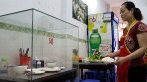 Un restaurante de Vietnam convierte la mesa donde comió Obama en una atracción