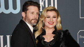 Kelly Clarkson no oculta lo difícil que es criar a sus hijos con su exmarido Brandon Blackstock