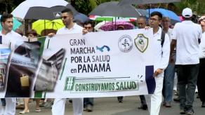 Estudiantes de Facultad de Medicina de la UP marchan para exigir construcción de nuevo edificio