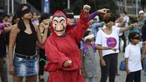 Un violador en tu camino pierde fuerza en una Venezuela desgarrada por la política