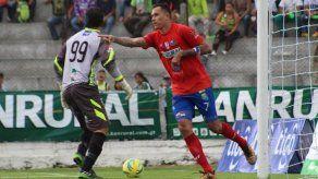 Blas Pérez aumenta su cuota goleadora con Municipal