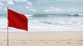 Bandera roja en playas de todo el país por vientos y oleajes