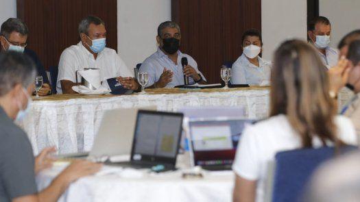 El Ministro de Salud, Luis Francisco Sucre, autoridades de salud y empresarios de la provincia de Veraguas se reúnen.