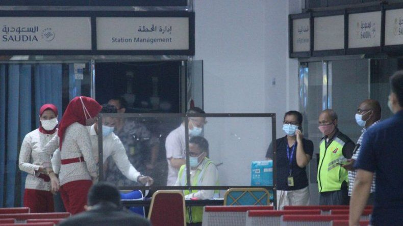 Indonesia confirma accidente de avión con 62 personas a bordo