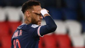 Neymar participa con dos tantos en la goleada de París SG a Angers