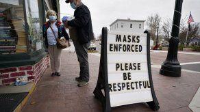 EEUU: Decenas de trabajadores electorales enfermos de COVID