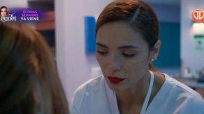 La doctora Elena descubre que Gloria le robó su sello para pedir medicamentos