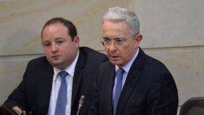 Corte remite a Fiscalía indagación a Uribe por presuntos nexos con masacres