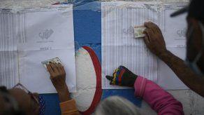 Venezolanos eligen congresistas en medio de boicot opositor