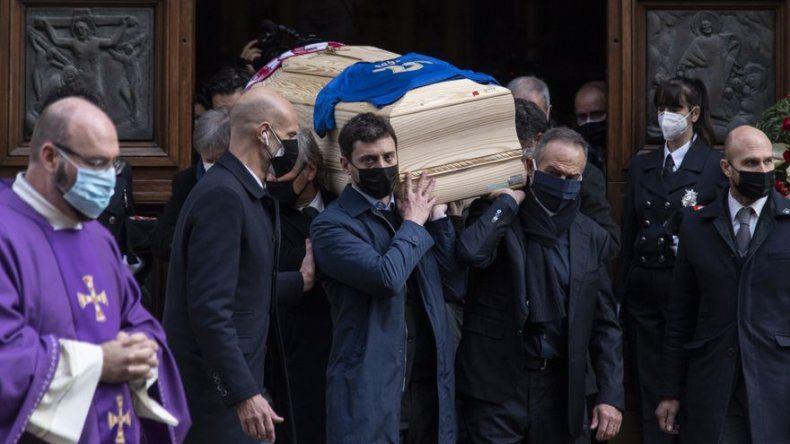 Roban en la vivienda de Paolo Rossi durante su funeral