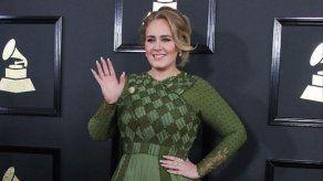 Adele inicia los trámites para divorciarse de Simon Konecki