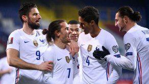 Francia tumba a Bosnia en Sarajevo con un solitario gol de Griezmann