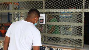 De los 815 reclusos con COVID-19 las autoridades aseguran que 703 se han recuperado