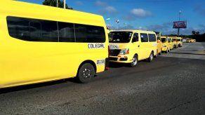 Transportistas colegiales piden extender moratoria y trasladar sus deudas a banco estatales