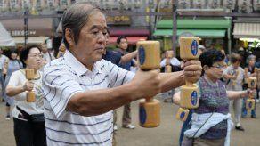 Japón cuenta con más de 67.000 centenarios