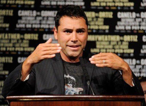 Conejita de Playboy exige disculpas a De la Hoya
