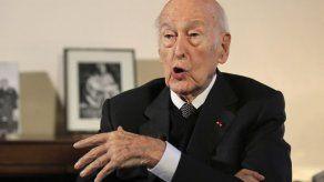Investigan acusación contra el expresidente francés Giscard