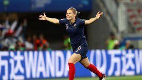 Francia da paso de gigante a octavos tras ganar 2-1 a Noruega