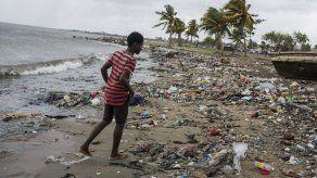 Huracanes Irma y María dejaron 2.000 millones de euros en daños en islas francesas