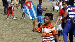 Niños cubanos piden fin de embargo de EEUU con vuelo de cometas en La Habana