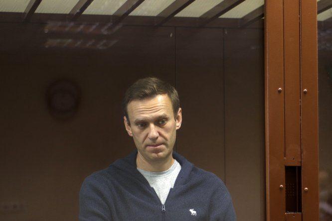 La justicia rusa condenó a Alexéi Navalni a dos años de prisión por un supuesto fraude que se produjo en 2014 y que muchos consideran como un pretexto para encarcelarlo.