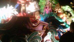 Leyenda panameña resaltada en desfile nocturno de la Jumbo Rumba