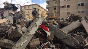 Al menos 5 muertos en derrumbe de edificio en El Cairo
