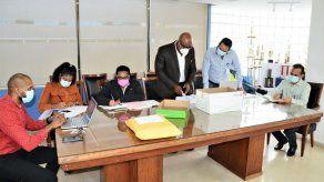 Realizan actos de licitación de proyectos de infraestructura en la Zona Libre
