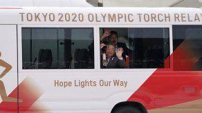 La llama olímpica se queda en Japón tras posposición