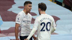 Manchester City firme hacia el título; Tottenham gana
