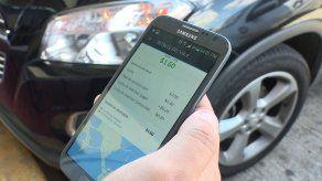 Taxistas exigen la eliminación del cobro en efectivo de las plataformas