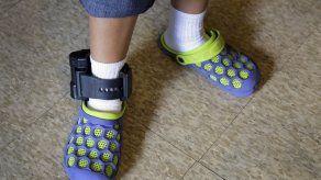 EEUU: Obligan a inmigrantes a llevar grilletes electrónicos