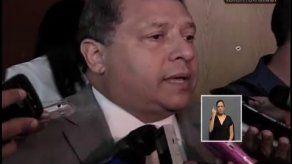 Ministro de Salud dice no entender razones del paro