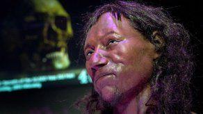 ADN indica que británico de 10.000 años tenía tez oscura