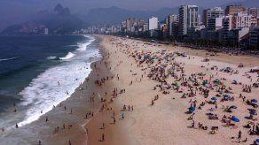 Río comienza toma masiva de pruebas tras aumento de muertes y casos por covid