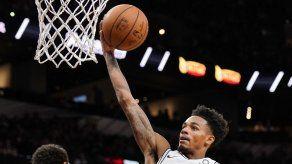 Desgarro de rodilla de Murray asesta nuevo golpe a Spurs
