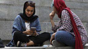 Iraníes navegan por internet pese a la oleada de censura
