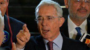 Supremo colombiano deja en manos de una jueza situación de expresidente Uribe