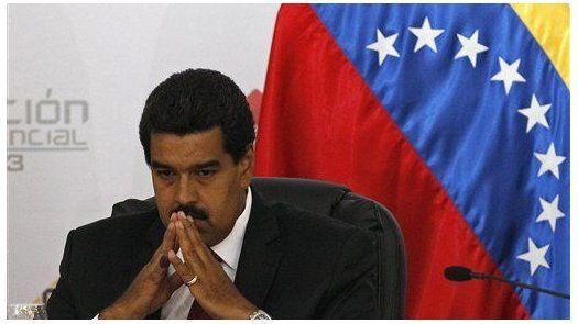 Maduro acusa a Santos de giro negativo en política y pide reunión