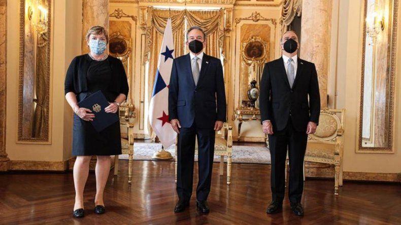 Embajadores de cinco diferentes países entregan credenciales al presidente Cortizo