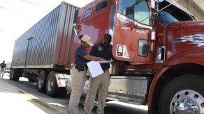 Aduanas refuerza vigilancia y seguridad de carga en puertos del país