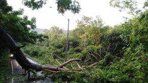 Fuertes lluvias dejan sin suministro eléctrico sectores de Punta Chame