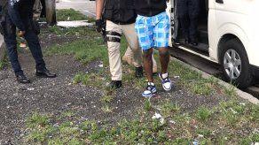 Uno de los tres aprehendidos en operativo antipandillas en Colón.