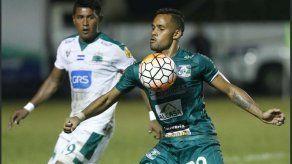 Armando Polo tranquilo pese a situación de los clubes con la Federación en El Salvador