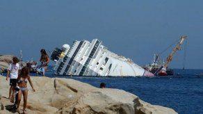 El pecio del Costa Concordia convertido en atracción turística